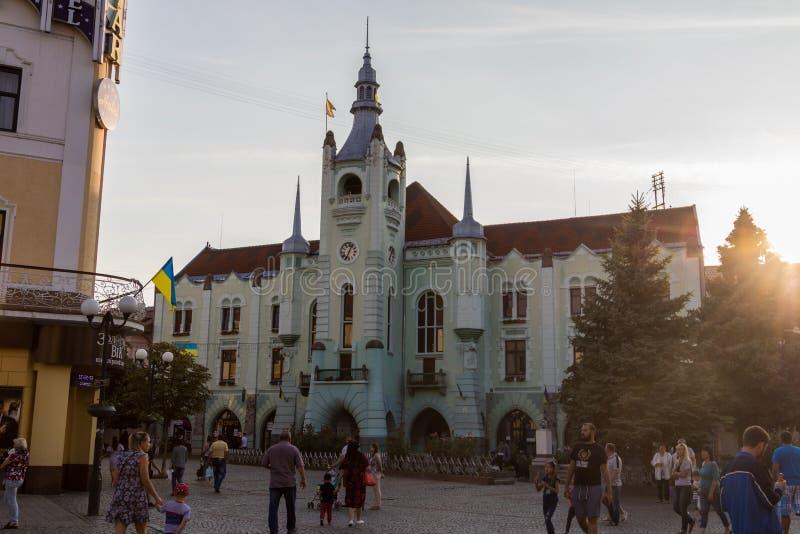 Rathaus von Mukacheve Mitte der Stadt stockfoto