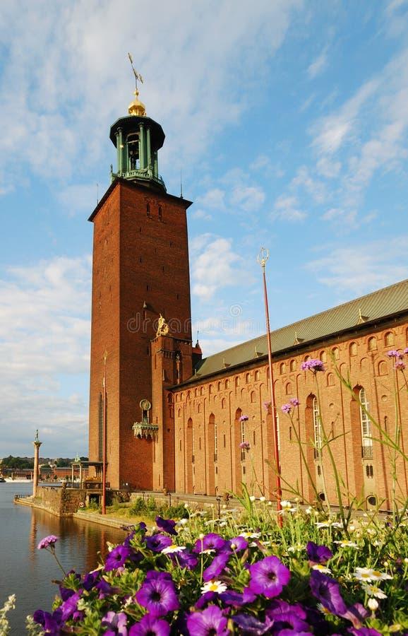 Rathaus von Stockholm in der Morgenleuchte lizenzfreie stockbilder