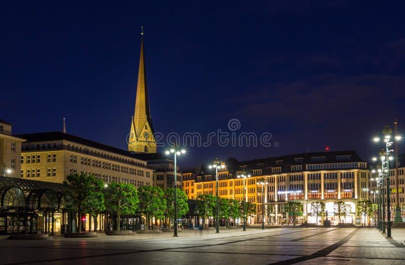 Rathausmarkt, квадрат в Гамбурге стоковые фотографии rf