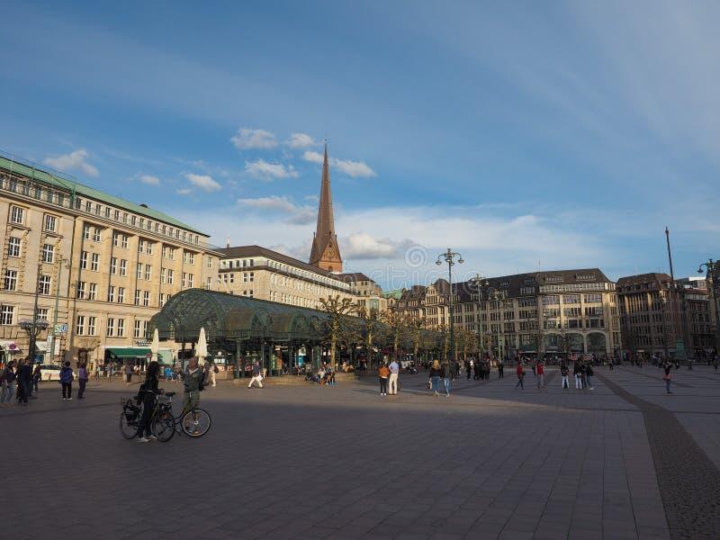 Rathausmarkt kwadrat w Hamburg zdjęcie royalty free