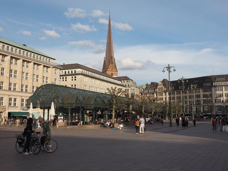 Rathausmarkt kwadrat w Hamburg fotografia stock