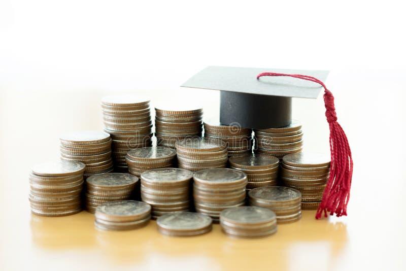 Ratować każdy pojedynczego dolara dla edukaci i cent zdjęcie royalty free