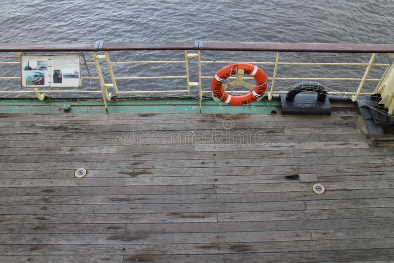 Ratowniczy koło na pokładzie icebreaker Krasin, święty Petersburg fotografia stock
