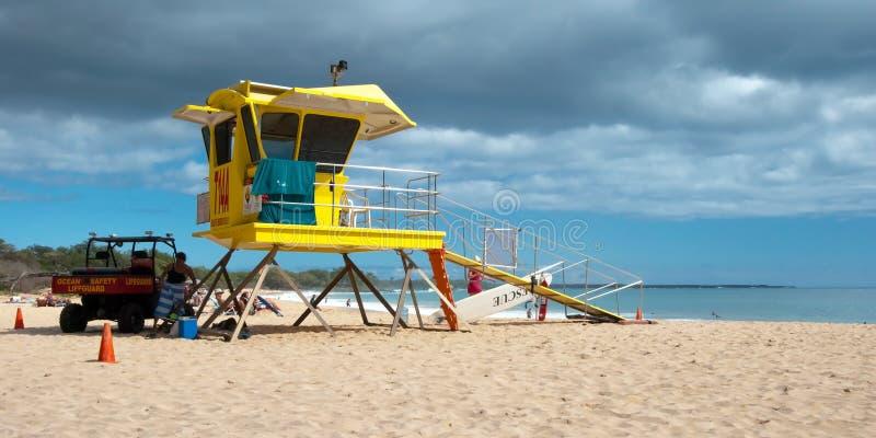 Ratownika wierza na Dużym plażowym Maui Hawaje zdjęcia stock