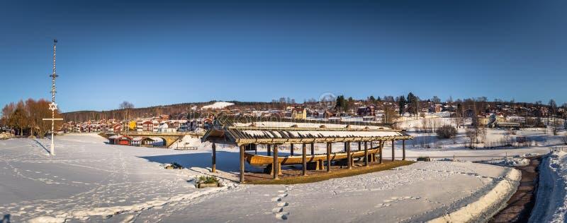 Rattvik - 30 de marzo de 2018: Lancha de Viking en la ciudad de Rattvik, Dalarna, Suecia imagen de archivo libre de regalías