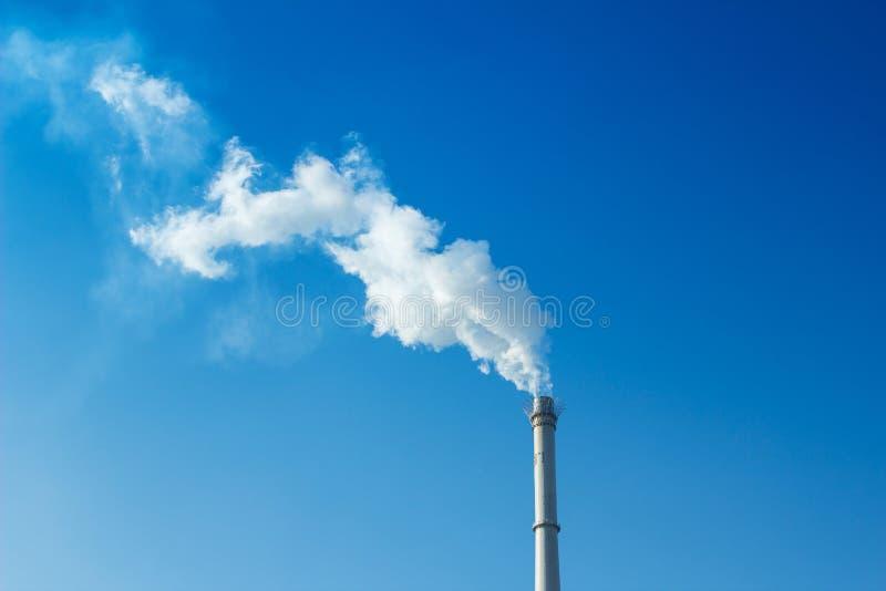 Rauch und Kamin stockbilder