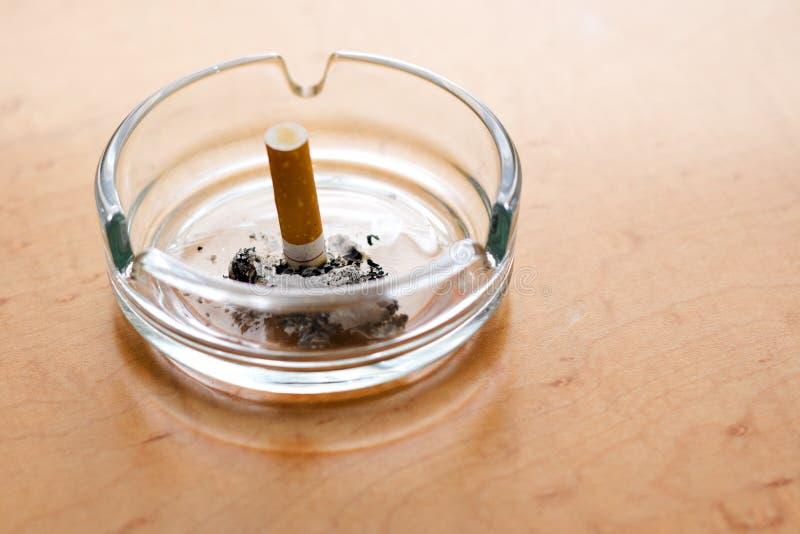 Rauchend stockfoto