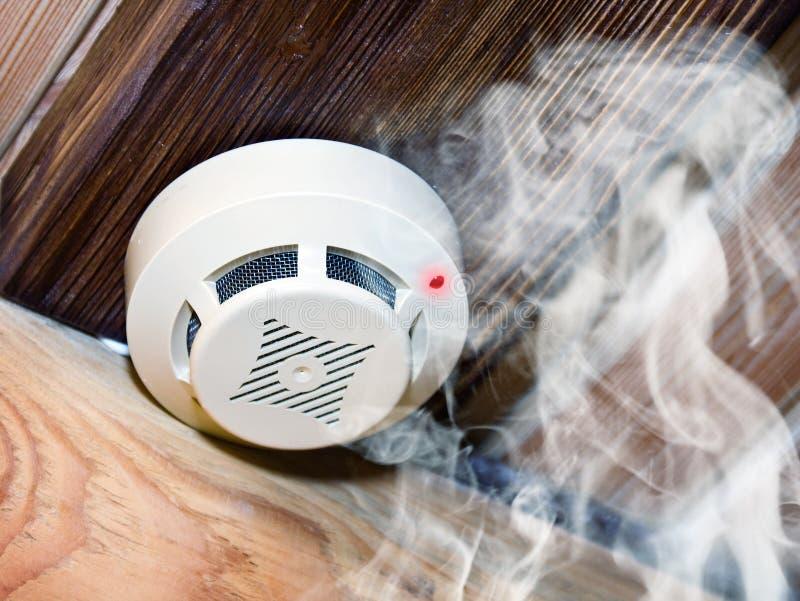Rauchmelder lizenzfreies stockbild
