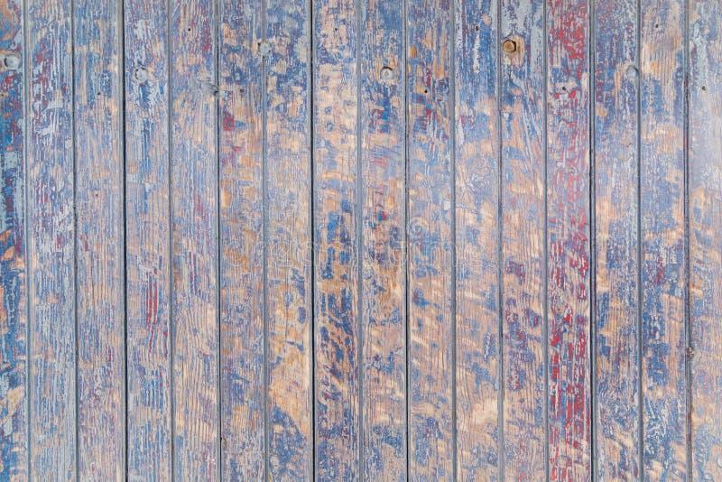 Raues und schäbiges hölzernes Muster mit der Schale der blauen Farbe lizenzfreies stockfoto