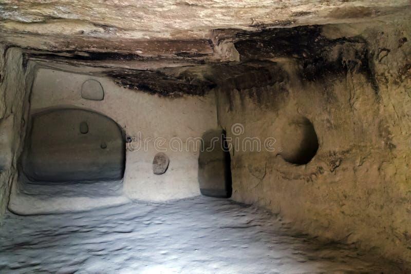 Raum im Höhlenkloster lizenzfreies stockfoto
