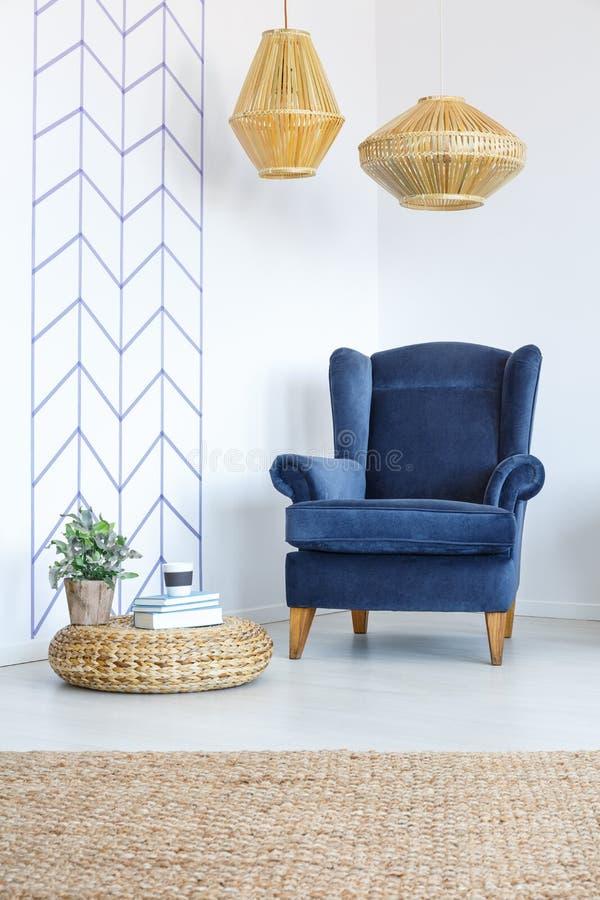 Raum mit dekorativem Wandband lizenzfreie stockbilder