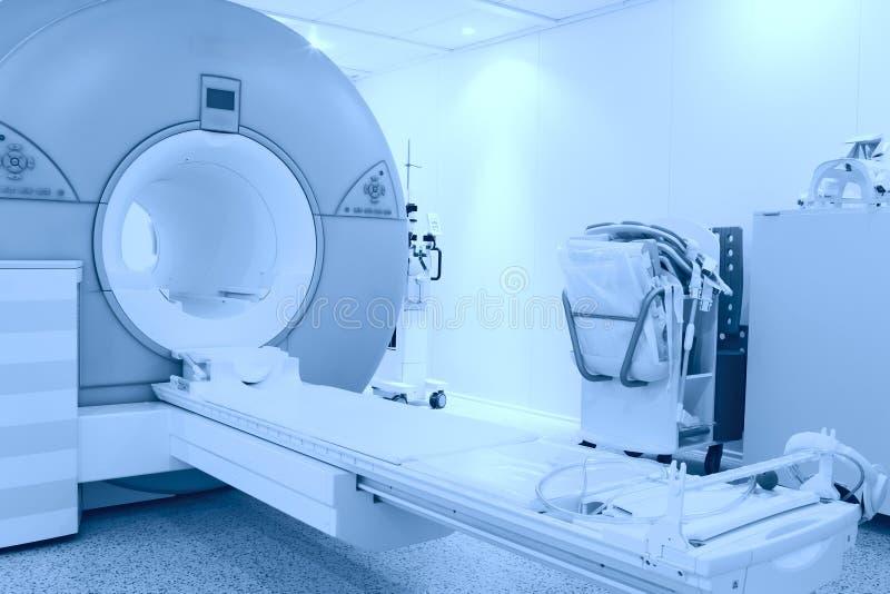 Raum mit MRI Maschine stockfotos