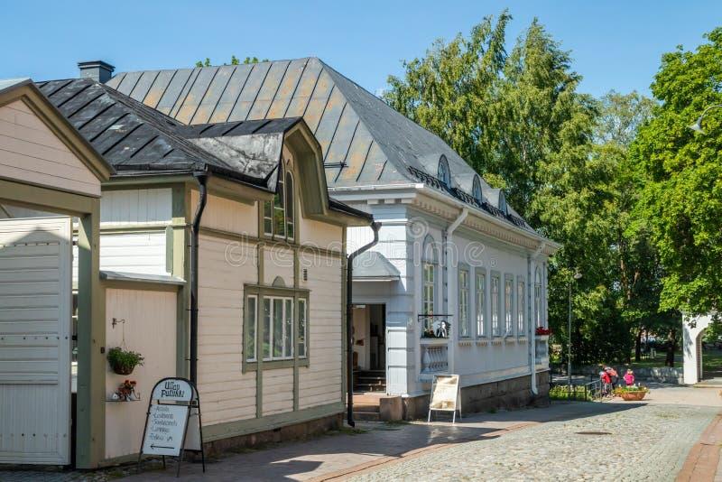 Rauma, Финляндия - 27-ое июня 2019: Старое Rauma, одно из мест всемирного наследия ЮНЕСКО, самый большой унифицированный деревянн стоковое изображение