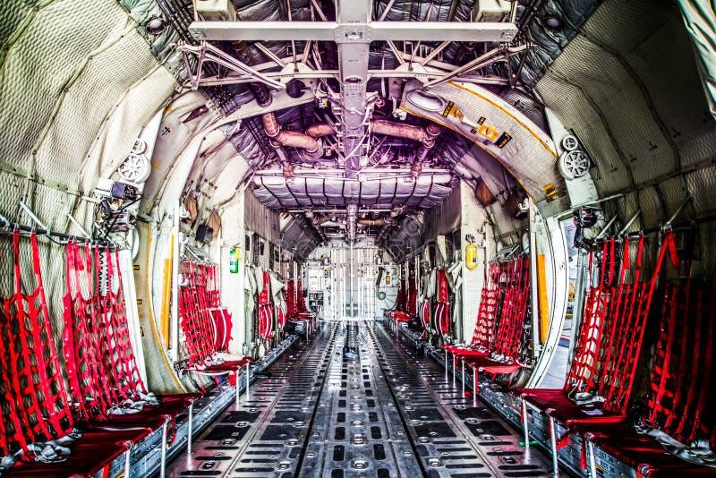 Raumflugzeuge der Fracht C130 lizenzfreie stockfotos
