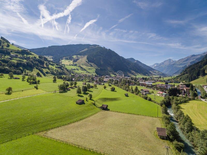 Rauris in Österreich, Bergdorf in den Alpen, Salzburg lizenzfreie stockfotografie