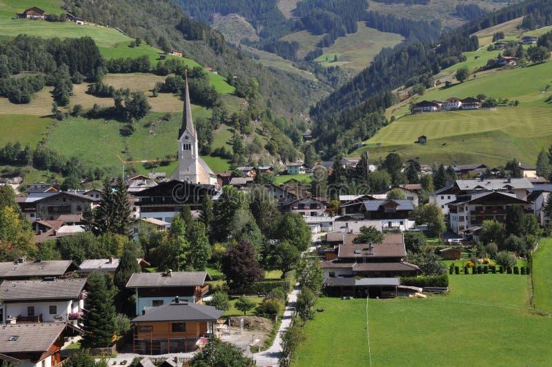 Rauris in het berglandschap, Oostenrijk, Oostenrijks landschap royalty-vrije stock afbeelding