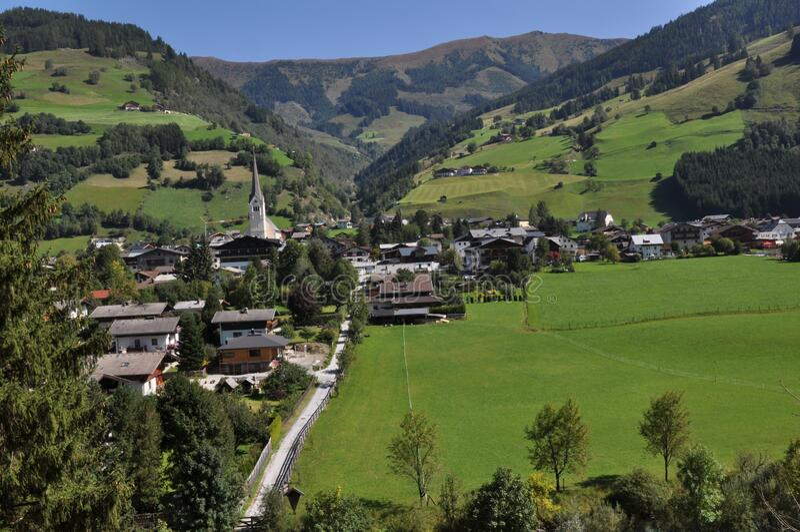 Rauris in Oostenrijk, Oostenrijks landschap royalty-vrije stock fotografie