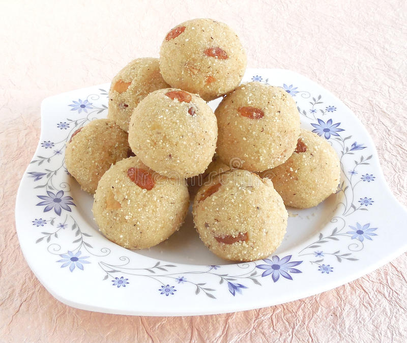 Rava dolce indiano Laddu fotografie stock libere da diritti