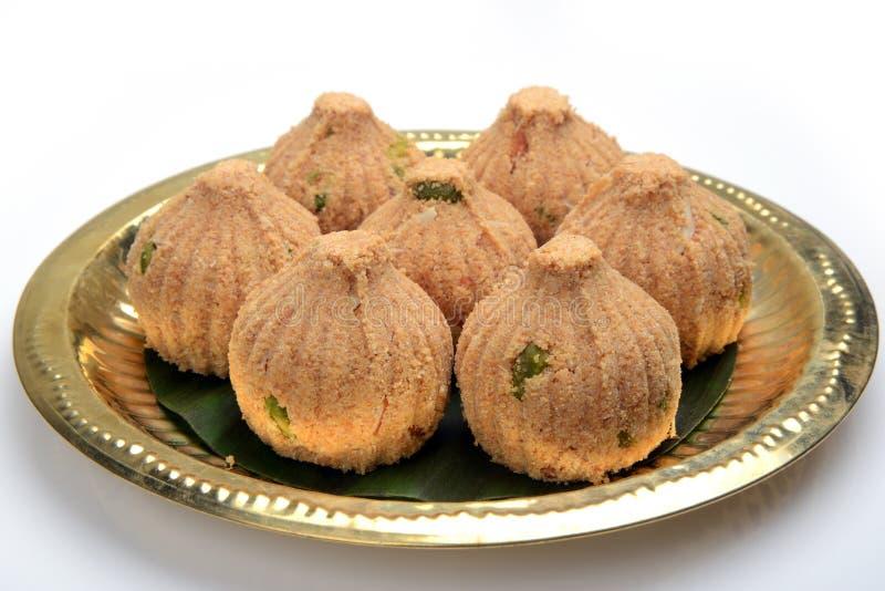 Rava en droge vruchten Modak, een traditioneel snoepje van Maharashtrian royalty-vrije stock afbeeldingen