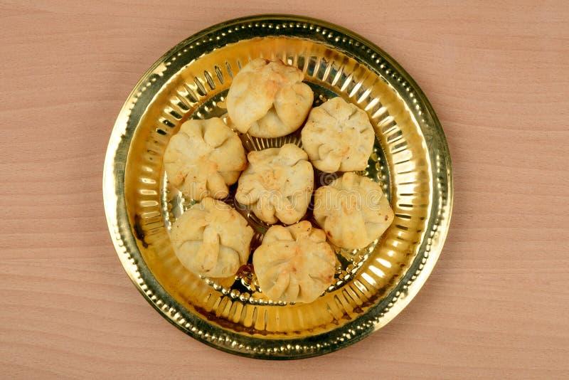 Rava Modak, een traditioneel snoepje van Maharashtrian stock fotografie