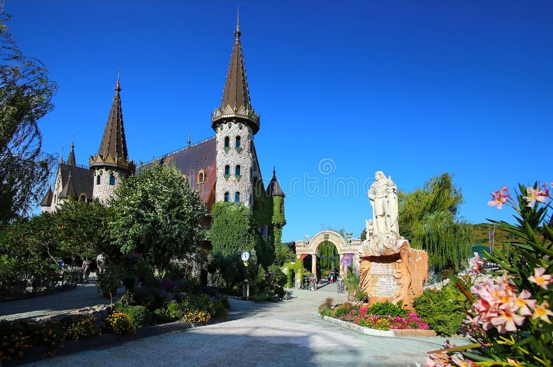 Ravadinovo slott nära Sozopol royaltyfri fotografi