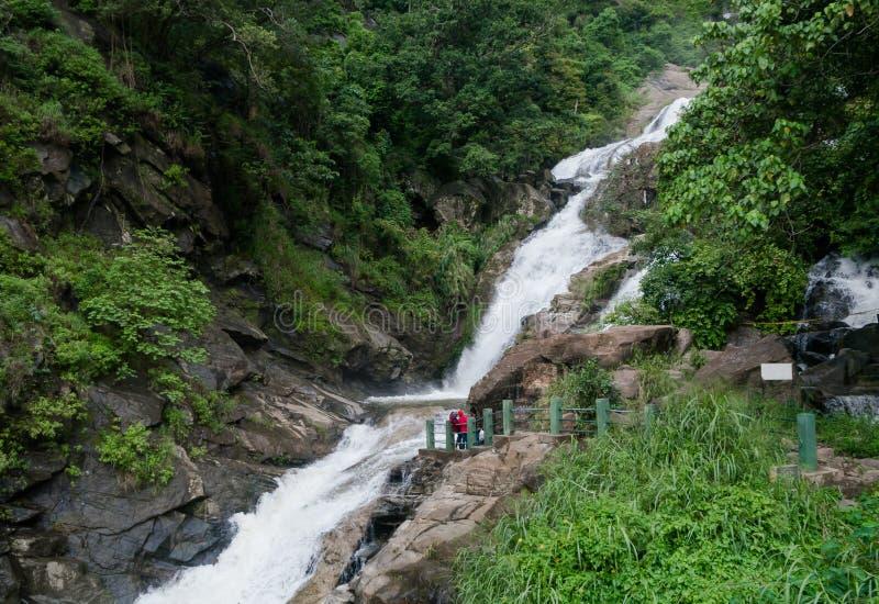 Ravana ella瀑布在斯里兰卡 美丽的横向瀑布 库存照片