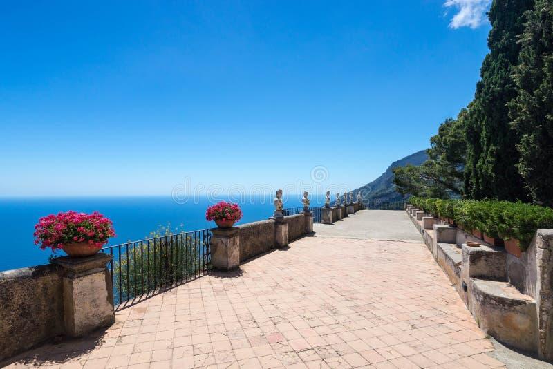 Ravello villa Cimbrone royaltyfria foton