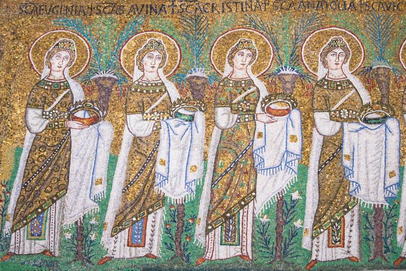 Ravena, Italia - 7 de julio de 2016 - bizantinos de los mosaicos imagen de archivo