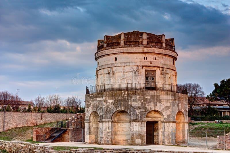 Ravenna - mausoleumen av Theodoric fotografering för bildbyråer