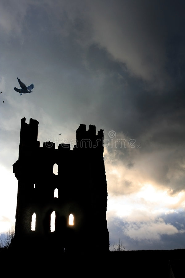 Download Ravenstorn arkivfoto. Bild av rampart, rede, past, medeltida - 519736