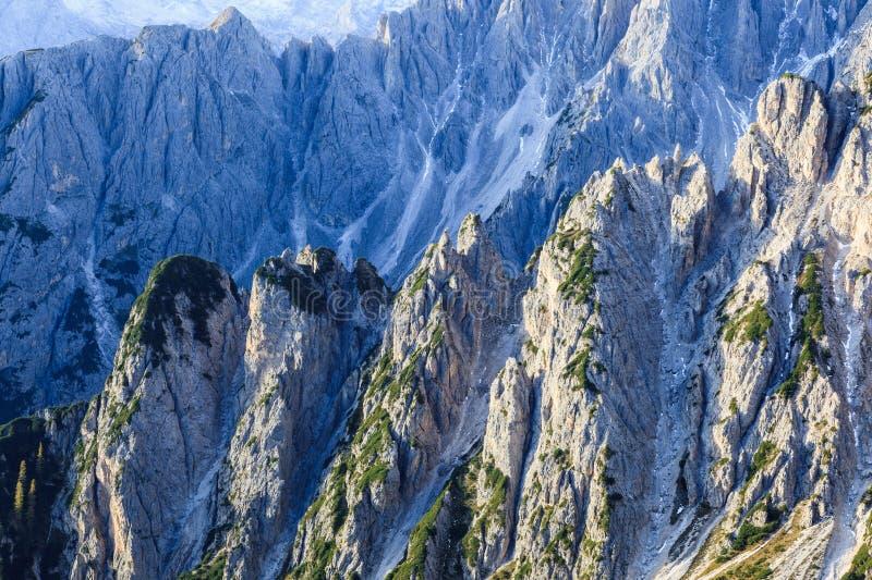 Download Ravina Na Montanha Das Dolomites Imagem de Stock - Imagem de beleza, dolomites: 26507247