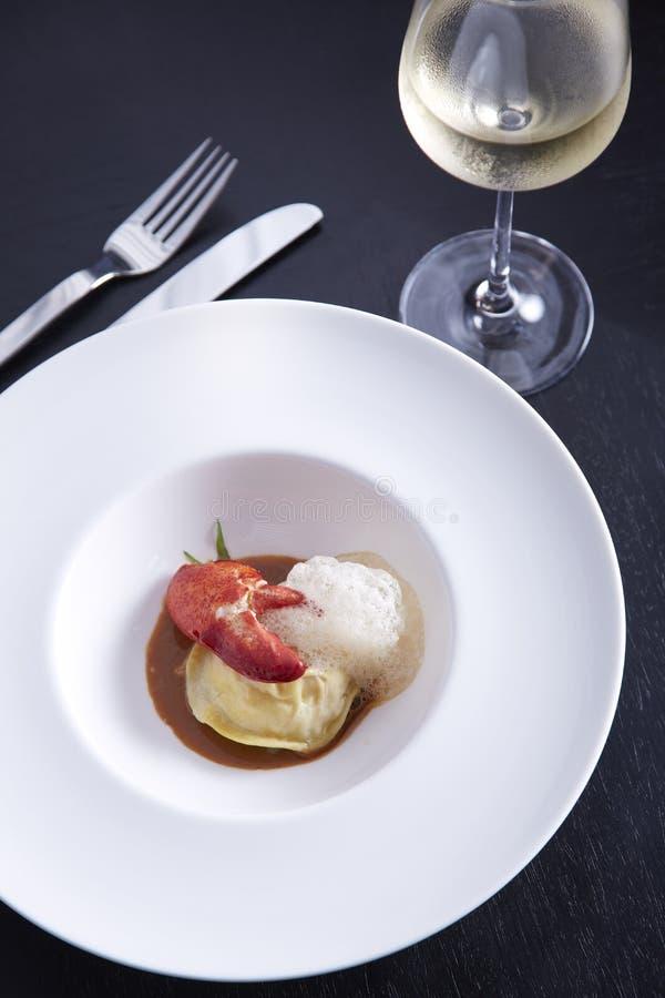Ravioli αστακών με τη σάλτσα Porcini στοκ εικόνα με δικαίωμα ελεύθερης χρήσης
