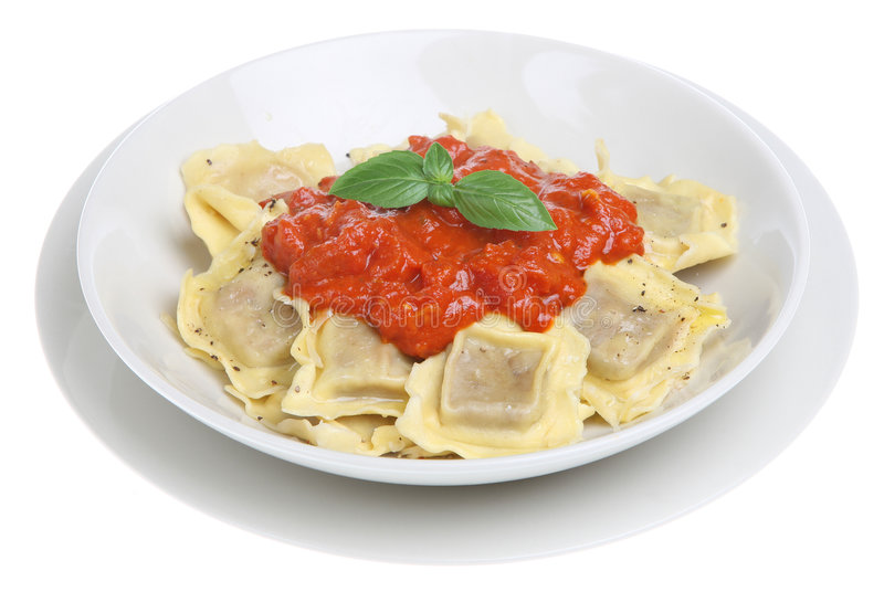 Ravioli avec la sauce tomate photo libre de droits