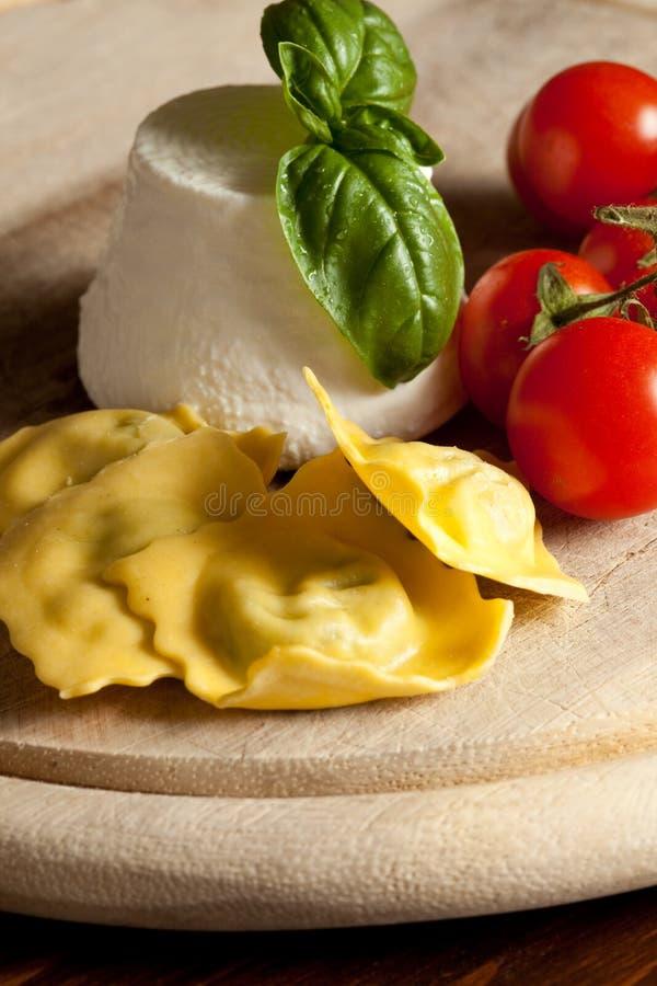 Ravioli met ricotta en Tomaten royalty-vrije stock afbeeldingen