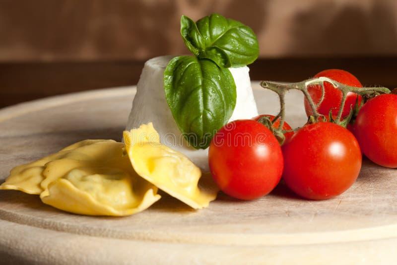 Ravioli met ricotta en Tomaten royalty-vrije stock foto's