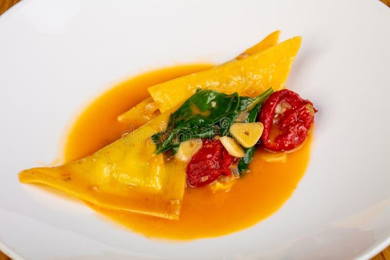 Ravioli met spinazie royalty-vrije stock foto's