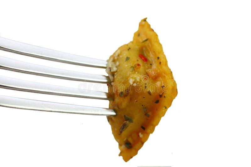 Ravioli op een vork royalty-vrije stock afbeelding