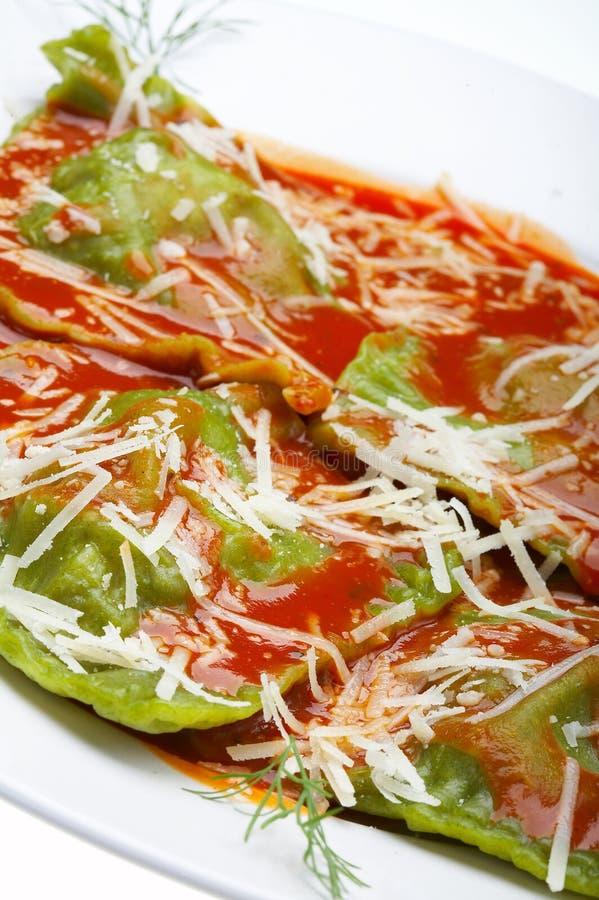 Raviolis italianos del alimento fotos de archivo