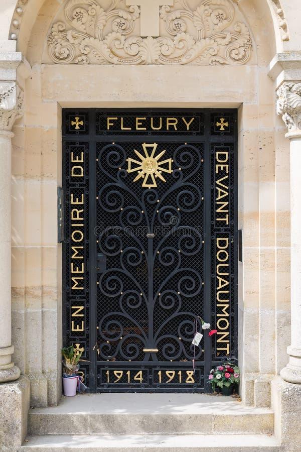 Ravissez la chapelle commémorative fleury, village français détruit pendant image stock