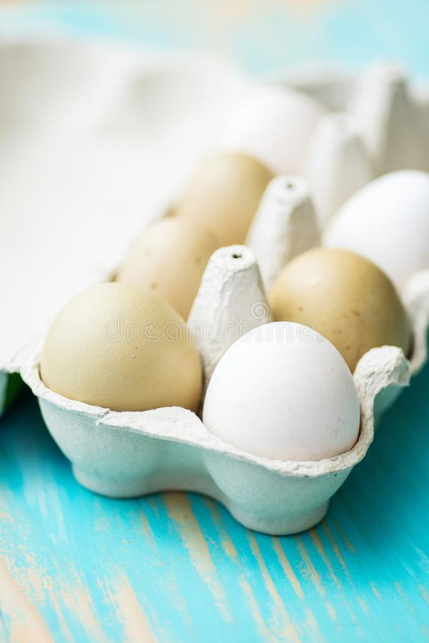 Free Raw Fresh Araucana Chicken Eggs Stock Photos - 68302453