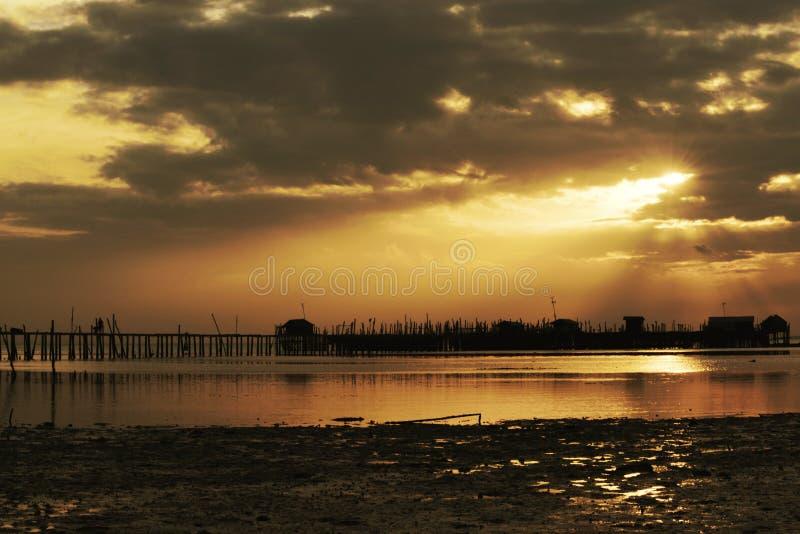 Ray des Lichtsonnenuntergangs stockfoto