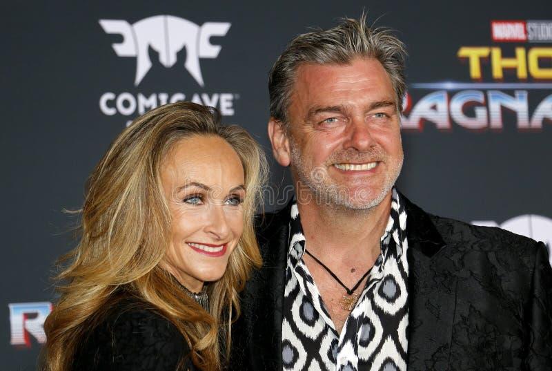 Ray Stevenson e Elisabetta Caraccia foto de stock royalty free