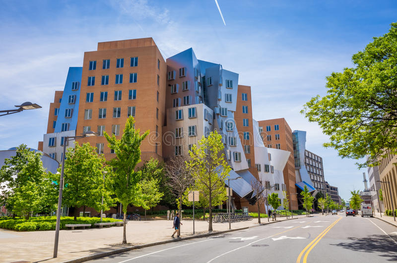 Ray und Maria Stata Center auf dem Campus von MIT lizenzfreie stockbilder