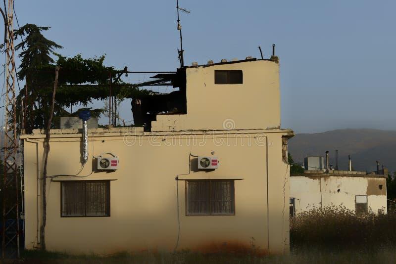 Rayak, Каса Zahle, Bekaa Valley, Ливан, Ближний Восток на 4-ом из июня 2019 Ливанский дом в деревне на мирном после полудня стоковая фотография
