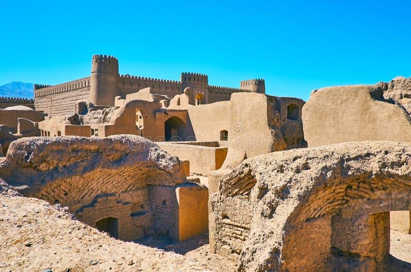 Rayen-Schloss unter den Lehmruinen, der Iran lizenzfreie stockfotografie