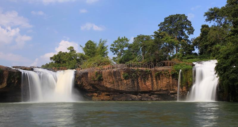 Raynur瀑布 免版税图库摄影