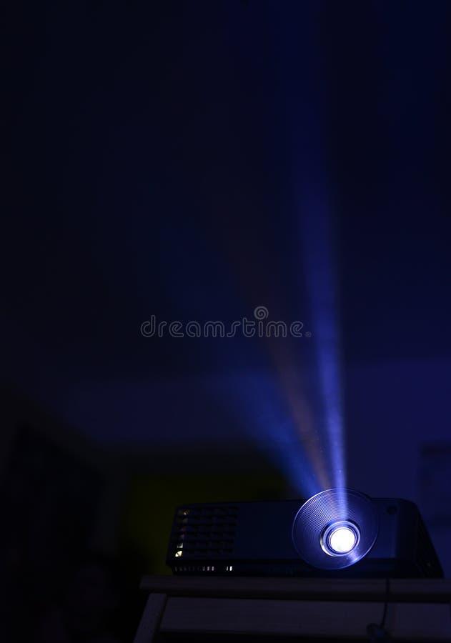 Rayo del proyector de película fotos de archivo