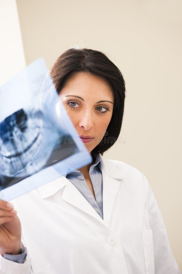 Rayon X de examen de dentiste image libre de droits