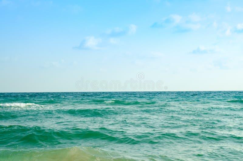 Rayong plaża Thailand w niebieskim niebie i chmurze fotografia stock