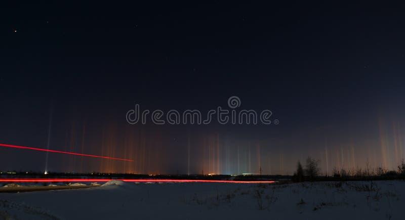 Rayonnement multicolore dans l'atmosphère Phénomène normal images libres de droits